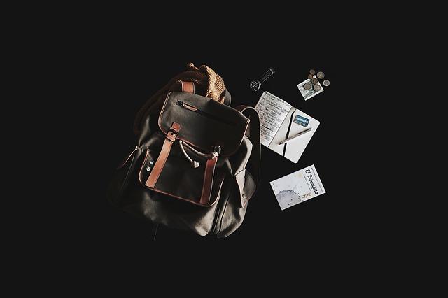 backpack-1839705_640