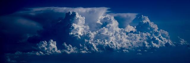 clouds-3526558_640